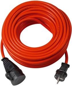 Elektro Mäher mit Kabelverlängerung betrieben