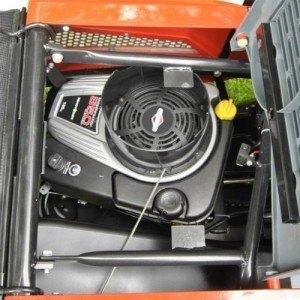 Motor des Lawnboss Rasentraktors