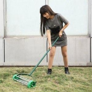 Femor Rasenlüfter Rasenkamm Rasenbelüfter Vertikutierer Handrasenlüfter 42cm Grün